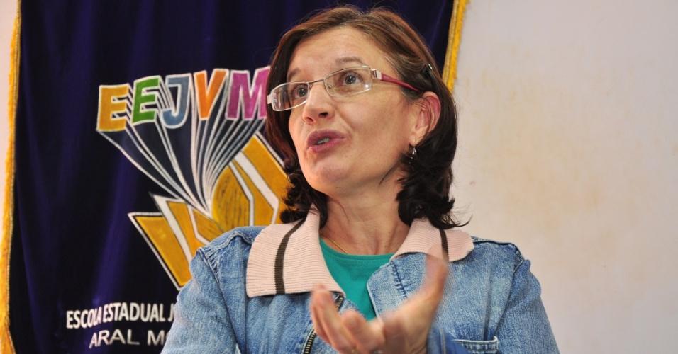 Professora de língua portuguesa, Cida Biazin, da Escola Estadual João Vitorino Marques (30/3/12)