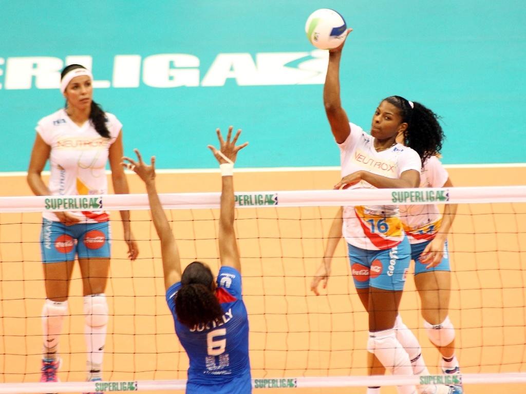 Fernanda Garay foi um dos destaques da equipe paulista
