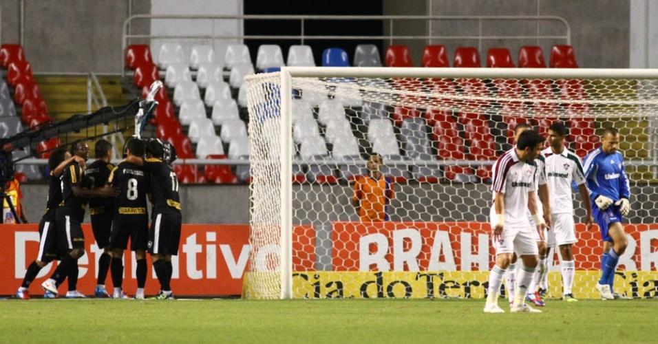 Botafogo abriu o placar com Elkeson