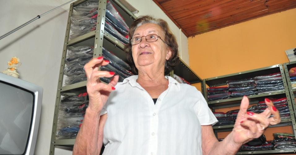 Maria Cordeiro, avó paterna de Fael, mostra a casa do campeão em Aral Moreira (1/4/2012)