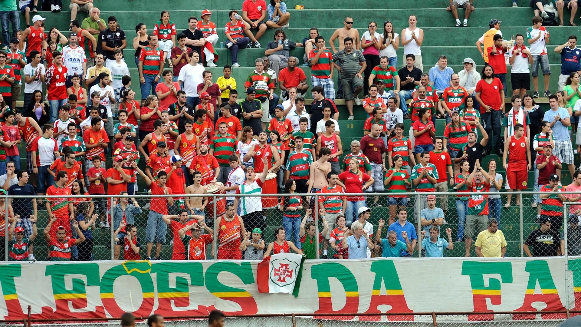Torcida organizada da Portuguesa foi até o Canindé para apoiar o time de Jorginho contra os reservas do Santos
