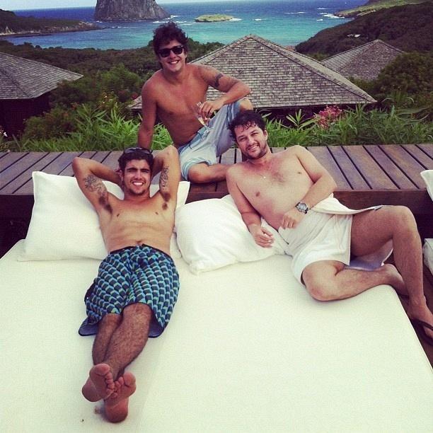 Da esquerda para a direita, Caio Castro, Guilherme Boury e Marcelo Serrado em Fernando de Noronha (3/4/12)