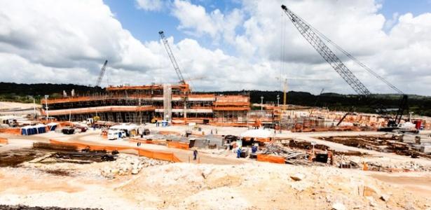 A Arena Pernambuco, que está sendo construída na Grande Recife, superou, em março, 32% das obras concluídas