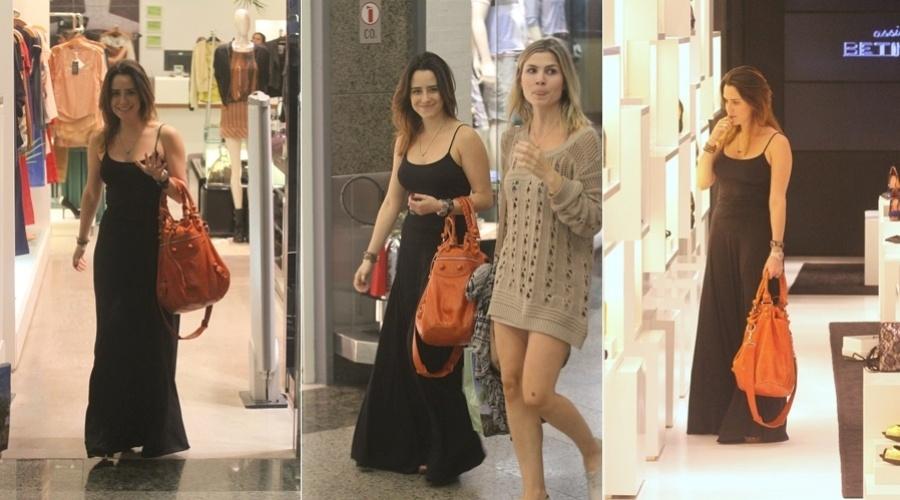 Fernanda Vasconcellos passeia em shopping da zona oeste do Rio (3/4/2012)