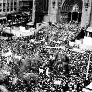 Marcha da Família com Deus pela Liberdade, em 19 de março de 1964 - Folha Imagem