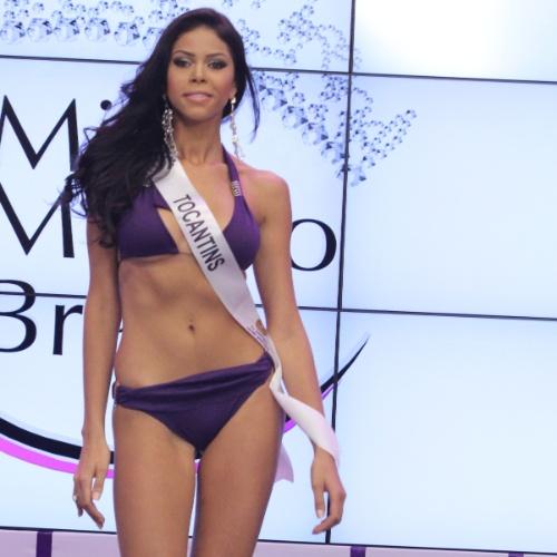 Miss Mundo Tocantins, Camila Serakides. Candidatas a Miss Mundo Brasil 2012 desfilam de biquini durante o concurso, em Porto Alegre