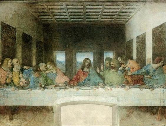 """A Mona Lisa é, com certeza, a obra mais conhecida do genial Leonardo Da Vinci (1452-1519), mas a sua """"Última Ceia"""" não está muito longe dela, vindo em segundo lugar. A obra, no entanto, não se encontra num museu, pois foi pintada numa parede do convento de Santa Maria delle Grazie, em Milão (Itália)"""