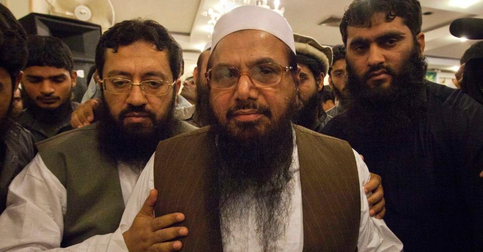 Hafiz Mohammad Saeed concedeu uma coletiva de imprensa em Islamabad, no Paquistão, um dia depois de os Estados Unidos terem anunciado a recompensa de US$ 10 milhões por pistas que levem à prisão de Saeed