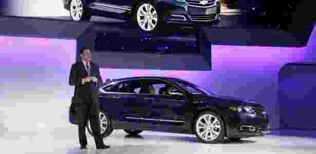 Mark Reuss, presidente da GM para a América do Norte, apresenta o novo Chevrolet Impala<br>com um ano de antecedência, em evento que precede o Salão de Nova York. Quase quatro<br>anos após falência, GM retoma desenvolvimento de um modelo de grande porte, mas teme que mercado local tenha mudado demais e corre para tentar segurar últimos compradores - AP Photo/Richard Drew