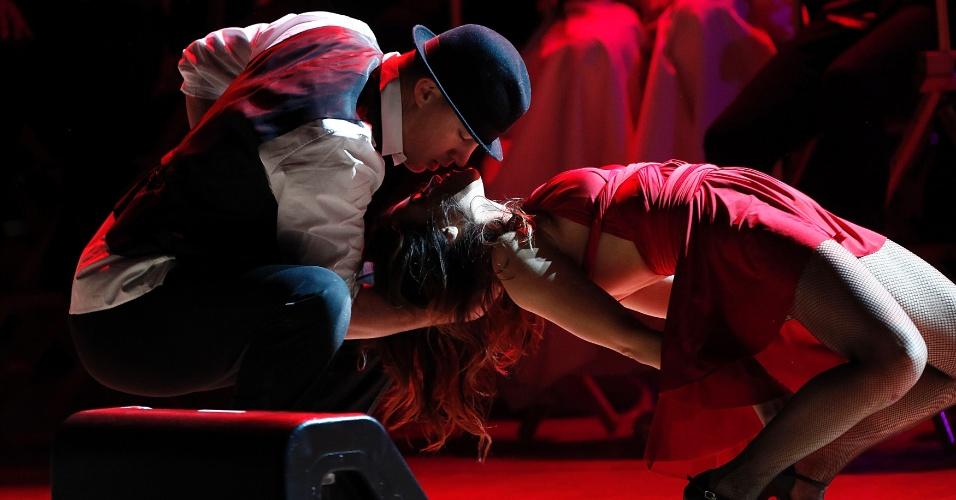 Os atores Channing Tatum e Jenna Deawan se apresentam durante show beneficente no Carnegie Hall, em Nova York, nos Estados Unidos