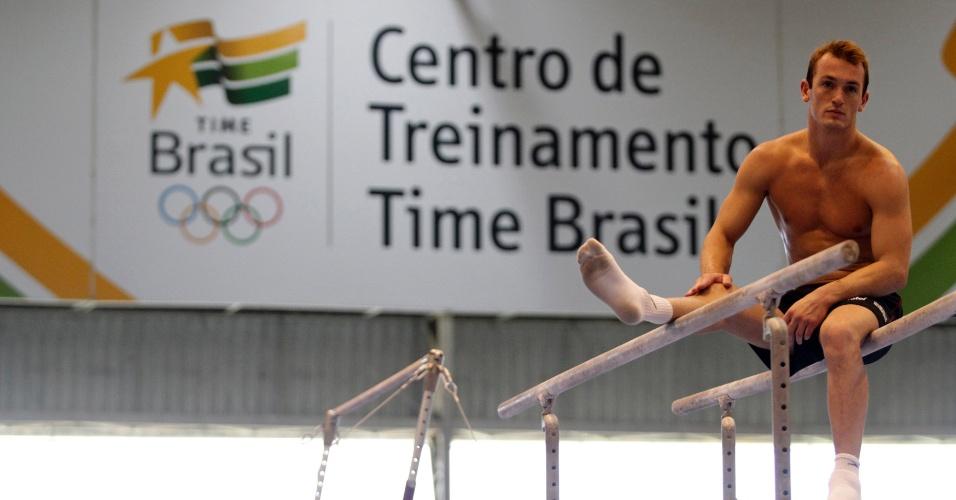 Reunido com a seleção brasileira, Diego Hypólito inaugura novo CT para a ginástica artística