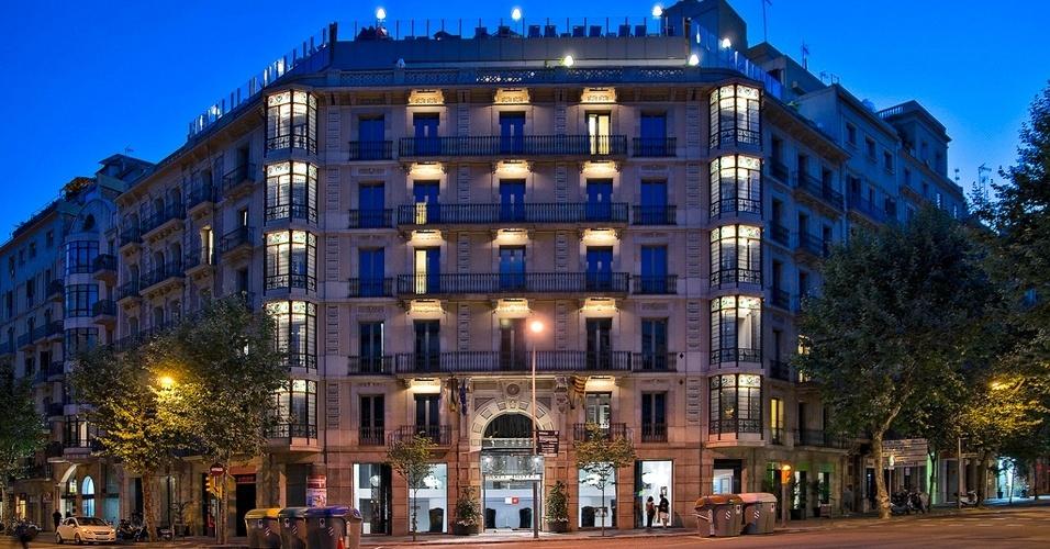 Fachada da unidade Axel em Barcelona, o primeiro hotel da rede, inaugurado em 2003. A rede planeja abrir outro hotel em Madri e se declara hetero friendly