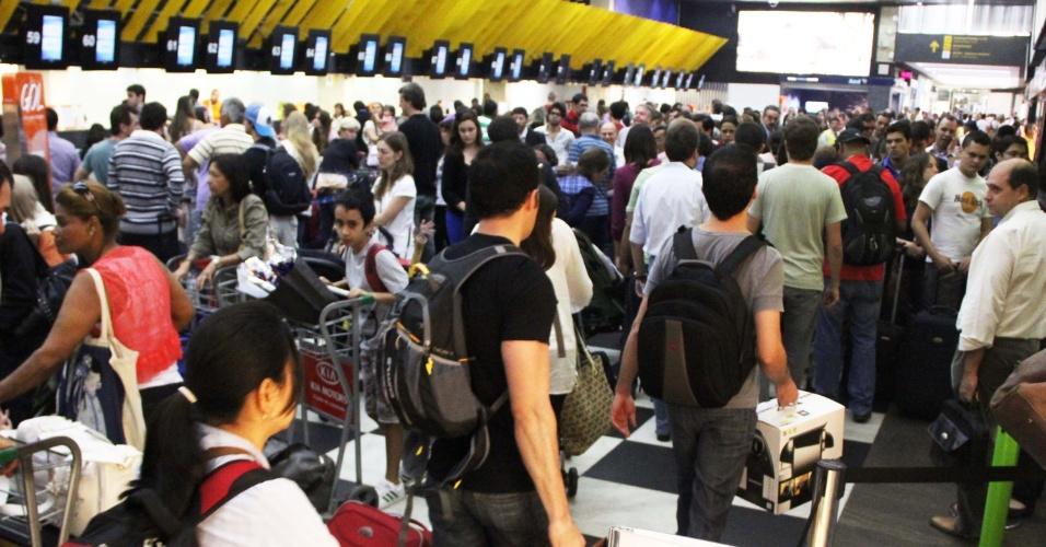 O aeroporto de Congonhas, na zona sul de São Paulo, teve movimentação intensa na véspera de feriado prolongado de Páscoa