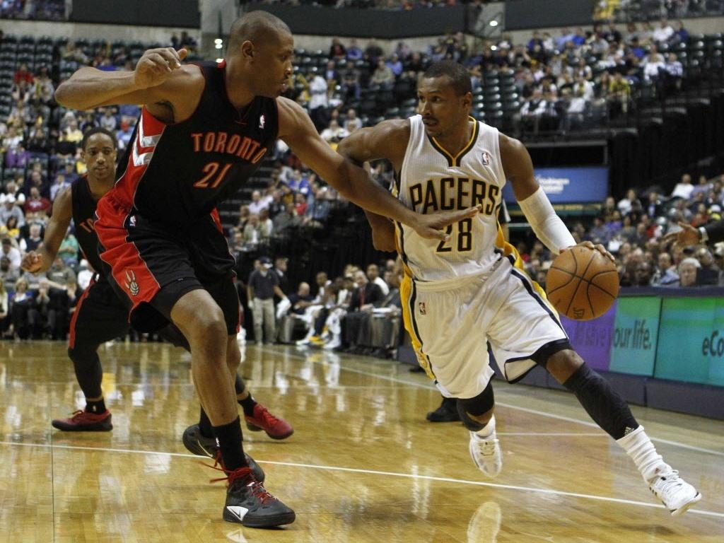O brasileiro Leandrinho, do Indiana Pacers, teve boa atuação na vitória contra a sua ex-equipe na NBA, o Toronto Raptors