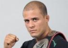 Rival de 'Caveira', 1º afegão do UFC diz que infância na guerra moldou seu caráter