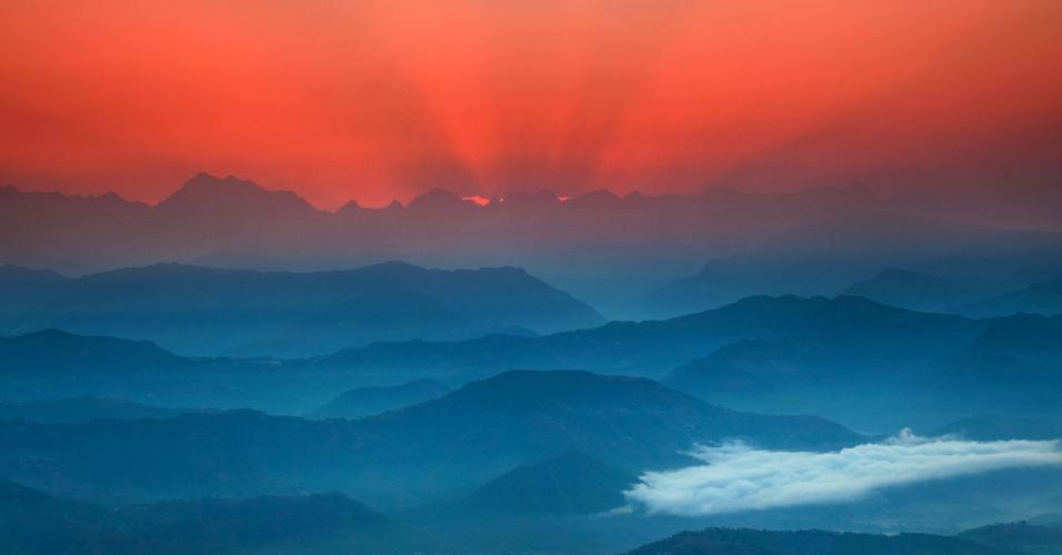 Fotógrafo ucraniano retrata a vida a 2.200 metros de altura, em um povoado do Himalaia