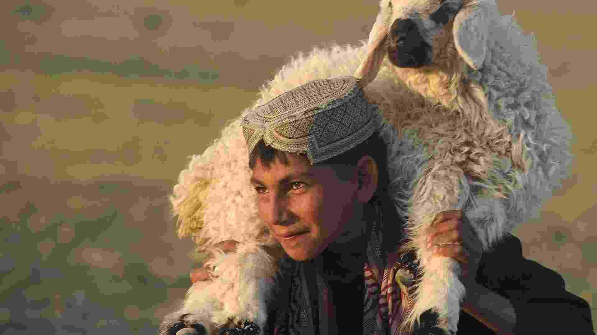 Fotos mostram o cotidiano dos moradores do Afeganistão - AFP