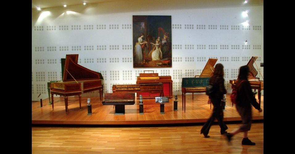 O Museu da Música, em Paris, é um museu dedicado à música ocidental desde o século 17 e abriga um acervo com raridades como os pianos franceses do século 19 que pertenceram a Chopin e Liszt, e um cravo de 1652, entre tantas outras peças