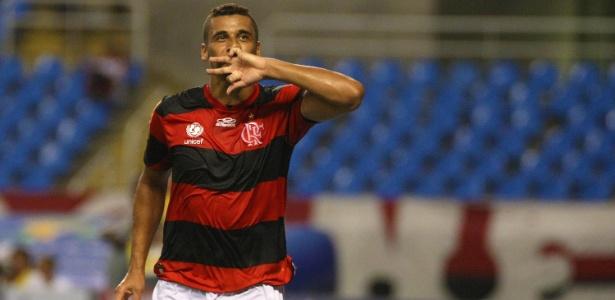 Welinton vem de passagens por Coritiba e clubes de Rússia e Qatar