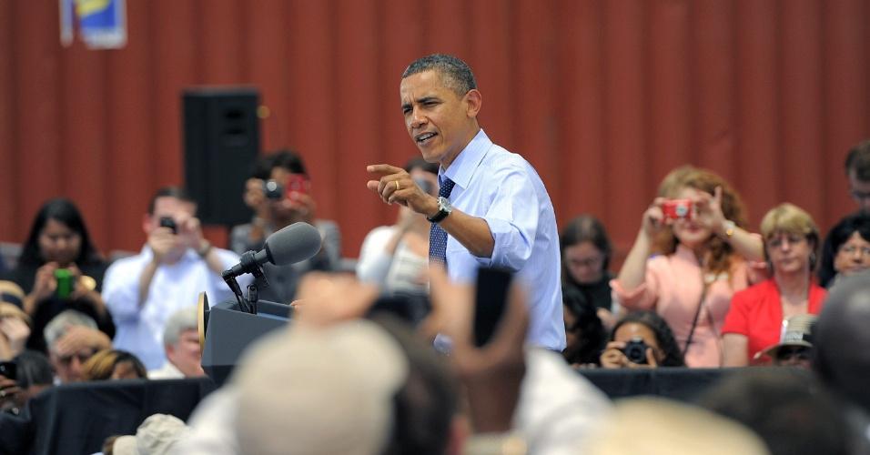 O presidente dos Estados Unidos, Barack Obama, destaca em discurso no porto de Tampa, na Flórida, a importância das relações comerciais com a América Latina