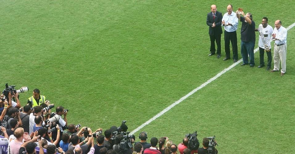 Lançamento da medalha do centenário do Santos contou com a presença do governador Geraldo Alckmin (14/04/2012)