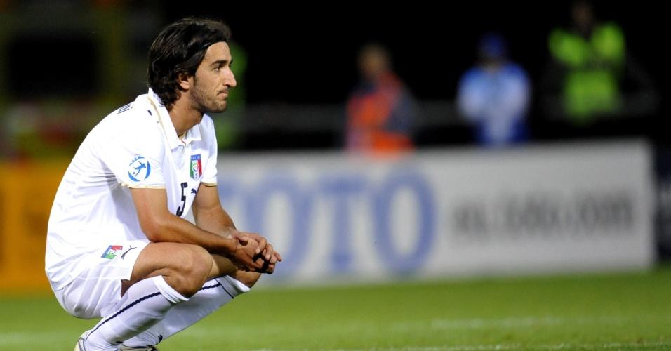 Piermario Morosini, do Livorno, é fotografado durante partida de sua equipe no Campeonato Italiano; o meio-campista sofreu uma parada cardíaca em um jogo da segunda divisão e morreu no dia 14/04/2012