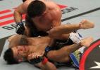 Lutador mostra estilo com unhas do pé pintadas de rosa, mas é finalizado no UFC