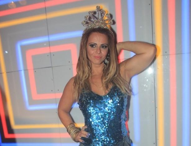 Viviane Araujo é a homenageada em festa na boate The Week, no Rio de Janeiro