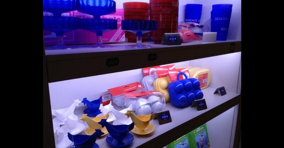 Loja localizada entre restaurante e museu vende utensílios de cozinha típicos da Alemanha Oriental
