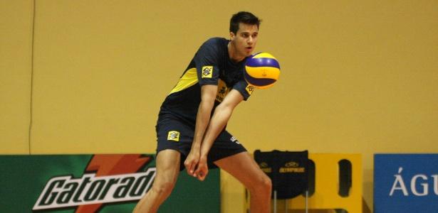 Renan foi destaque nas categorias de base e agora estará com a seleção principal
