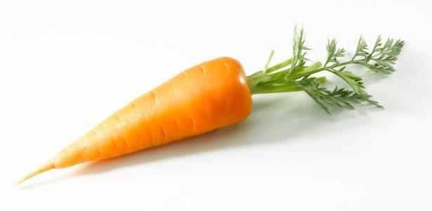 A melhor forma de se consumir alimentos como betacaroteno, como a cenoura, é crua