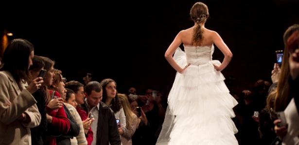 Modelo desfila de noiva no Bride Style 2011; edição deste ano vai ter Gloria Coelho e Samuel Cirnansck - Fabio Braga/Folhapress