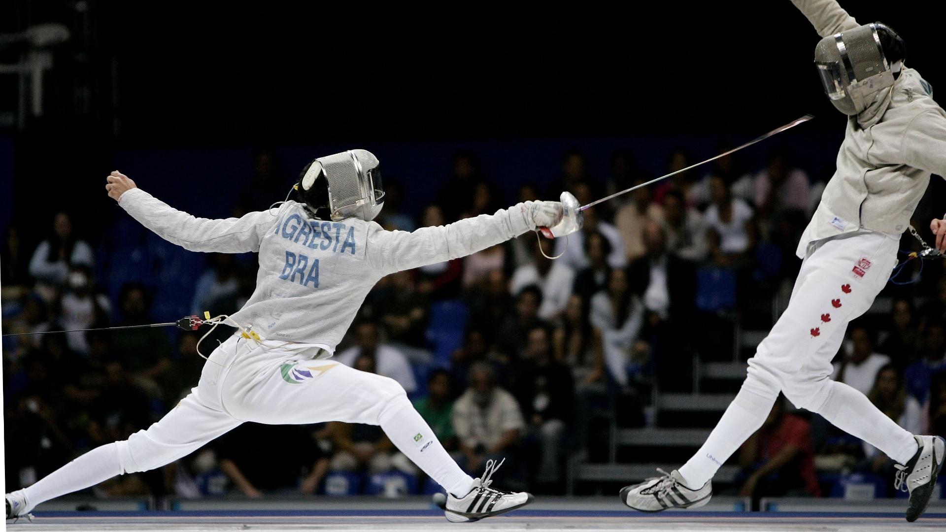 O esgrimista, Renzo Agresta luta contra o canadense Philipe Beaudry nos Jogos Pan americanos do Rio de Janeiro 2007