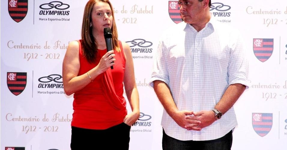 Patrícia Amorim e Túlio Formicola discursam em lançamento de uniforme do Flamengo