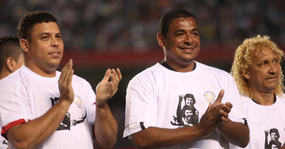 Ronaldo, Vampeta e Biro-Biro no Jogo beneficente organizado pelo ex-jogador Zico, disputado no Estadio do Morumbi (28/12/11)