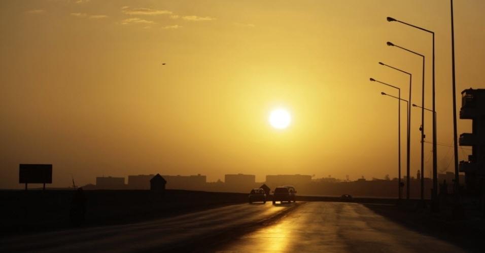 Sol se põe nos arredores da capital cubana, Havana
