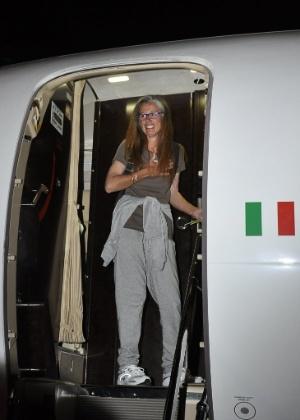 Turista italiana Maria Sandra Mariani, retorna para Itália, após ser libertada