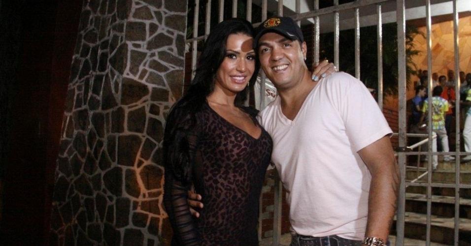 Gracyanne e Belo vão ao ensaio da Unidos da Tijuca no Rio de Janeiro (2012)