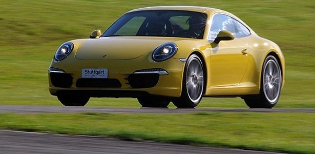 O novo Porsche 911 Carrera S em seu ambiente preferido: a pista de corrida - Murilo Góes/UOL