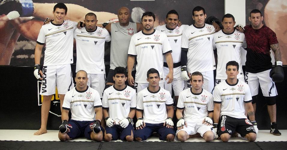 Anderson Silva durante primeiro treino aberto no Parque São Jorge