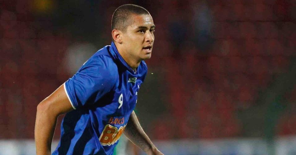 Atacante Wellington Paulista durante goleada do Cruzeiro sobre a Chapecoense por 4 a 1 (18/4/2012)