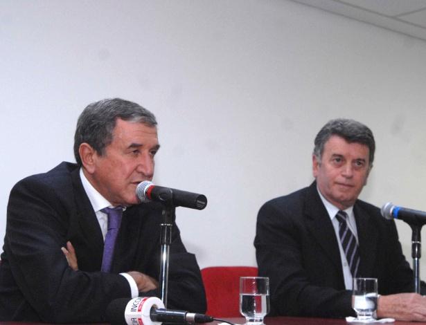 Parreira durante apresentação oficial como consultor do estado em assuntos referentes à Copa de 2014