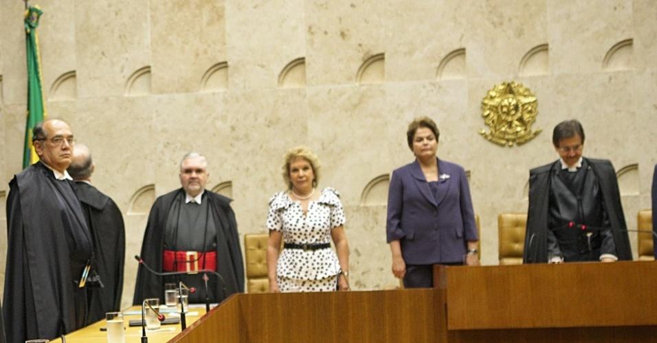 Dilma Dilma participa de solenidade de posse do ministro Ayres Britto como presidente do Supremo Tribunal Federal (STF)