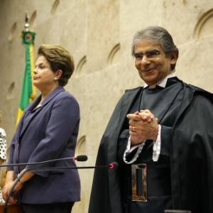 Ao lado de Dilma Rousseff, o ministro Ayres Britto toma posse como presidente do Supremo Tribunal Federal - Carlos Humberto/STF