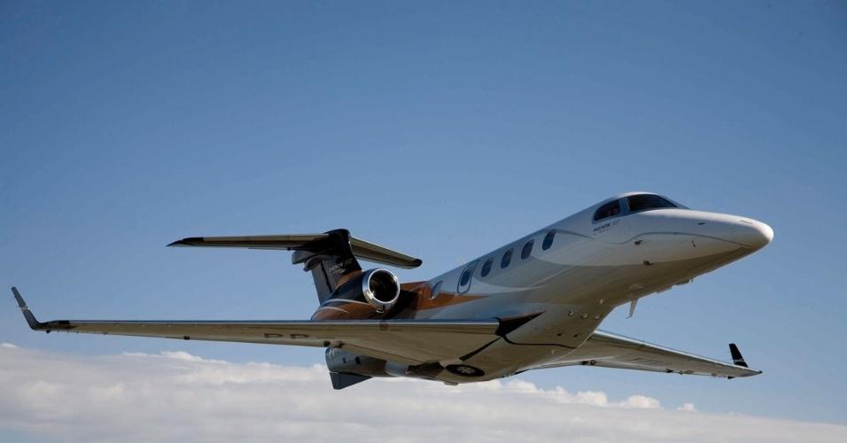 Avião executivo Phenom 300, produzido pela Embraer