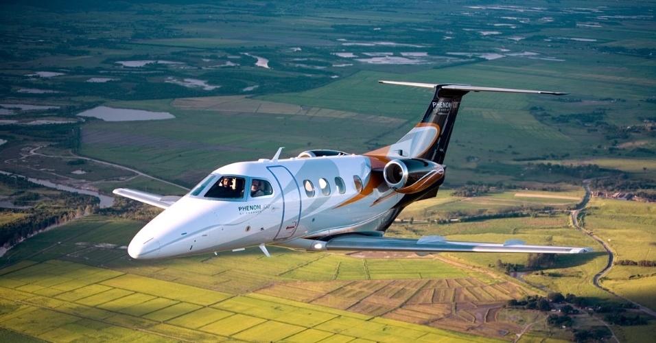 Avião executivo Phenom100, produzido pela Embraer