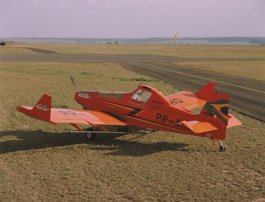 Avião Ipanema Álcool, produzido pela Embraer