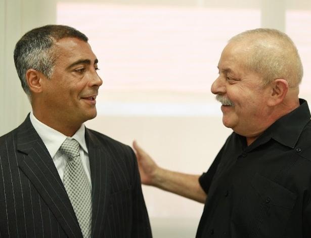 O deputado federal Romário visitou o ex-presidente Lula