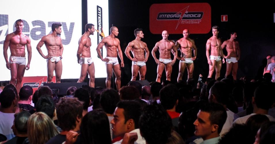Os semifinalistas também não ficaram atrás e mostraram corpos definidos