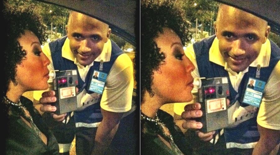 Sheron Menezzes é parada em blitz no Rio (20/4/2012)